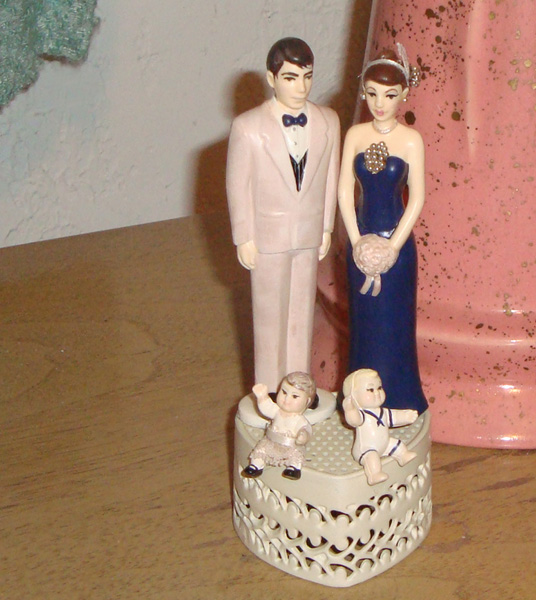Retro 1920s Topper with Kids